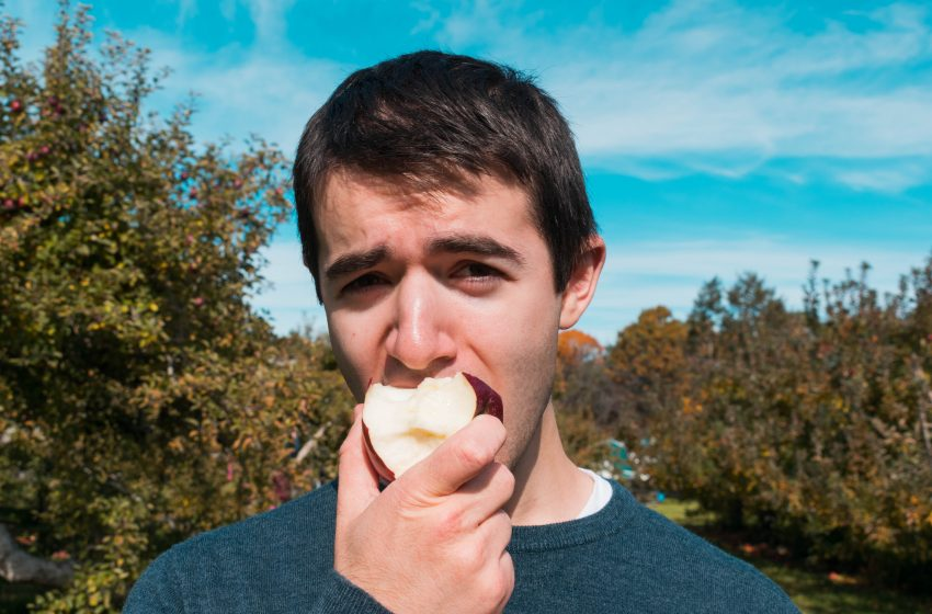 Apple Picking Goes Terribly Wrong After Man Discovers He Doesn't Like Apples All That Much