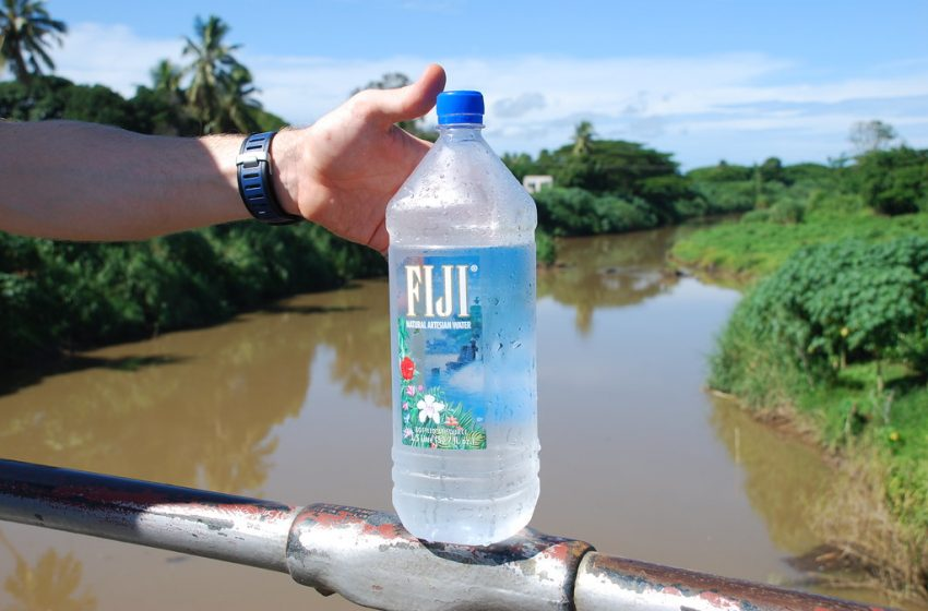 New Harvard Study Shows that People Who Drink Fiji Water Are Pretentious Douchebags Who Can't Stop Posting Song Lyrics With Their Selfies