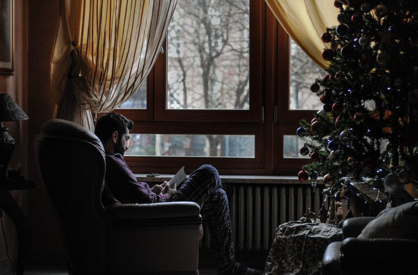 Man Prepares For the War on Christmas Even Though It's Made Up and Doesn't Exist