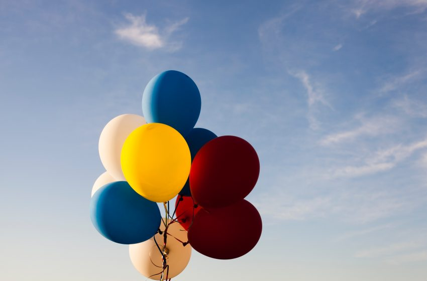 Man Obsessed With Balloons Not Sure How to Feel About Hot Air Balloons