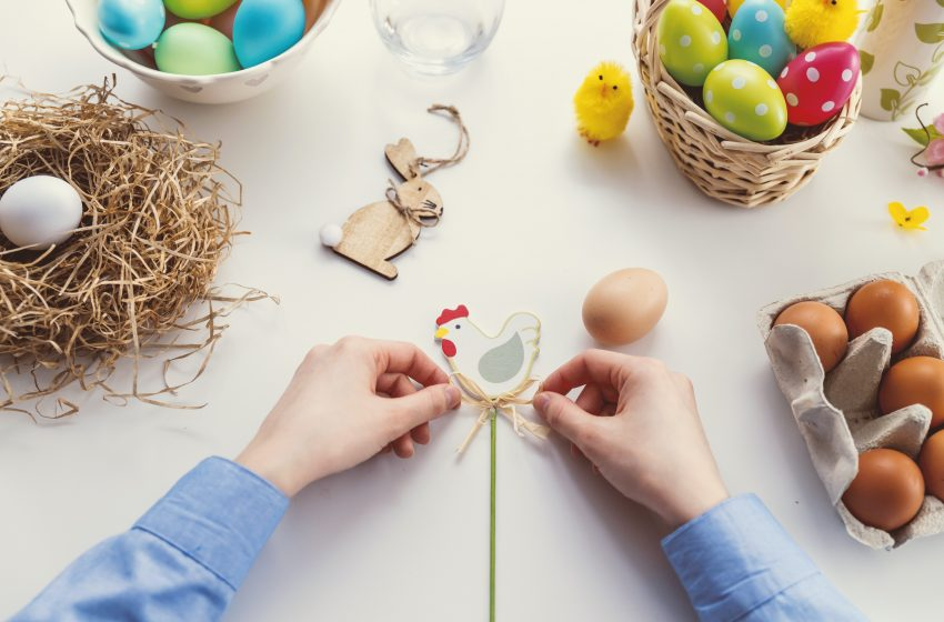 Local Man With No Kids Confused Why He's Still Being Forced to Color Eggs for Easter by His Girlfriend at the Age of 32