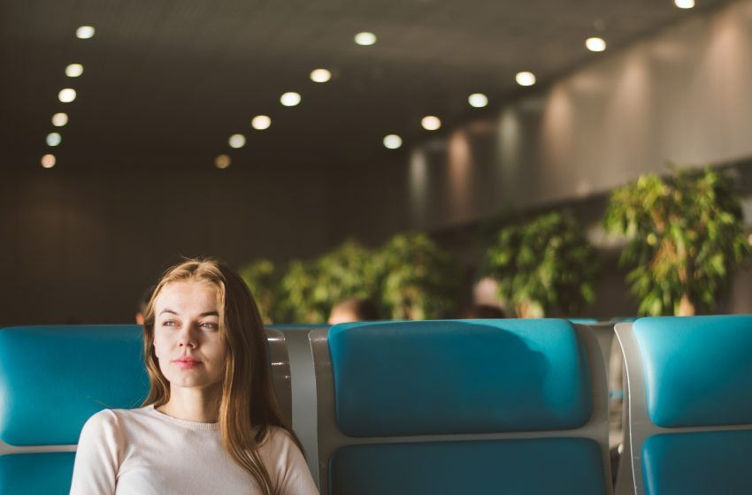 Woman Refuses to Wear Mask On Plane to Prove Point or Something?